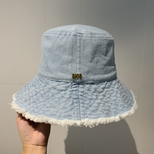 Christian Dior Caps #768235