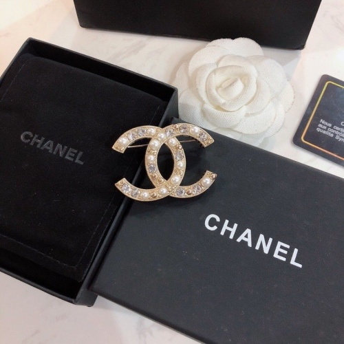 Chanel Brooches #768364