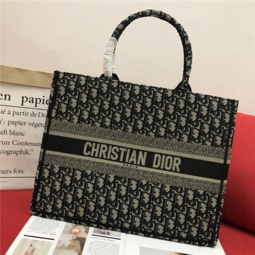 Christian Dior AAA Quality Handbags For Women #768441