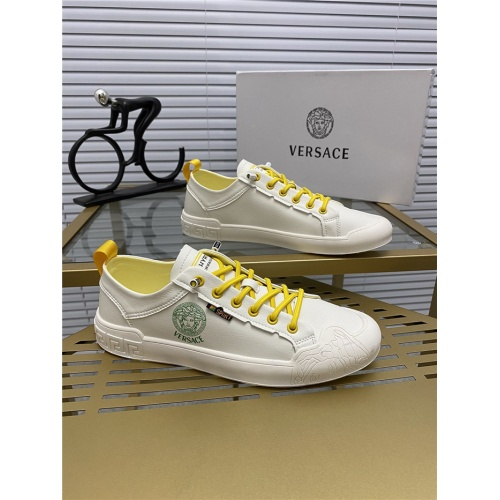Versace Casual Shoes For Men #768469