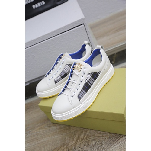 Burberry Casual Shoes For Men #768820