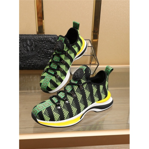 Versace Casual Shoes For Men #768840