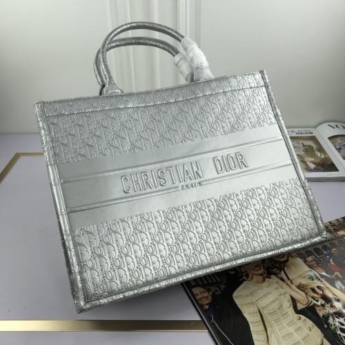 Christian Dior AAA Quality Handbags For Women #769188
