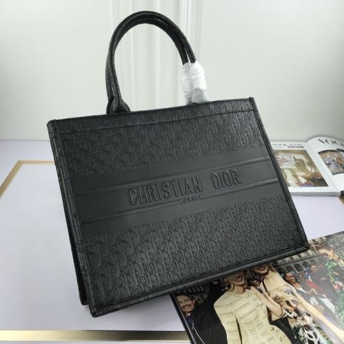 Christian Dior AAA Quality Handbags For Women #769192