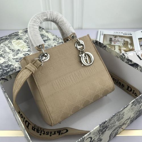 Christian Dior AAA Quality Handbags For Women #769210