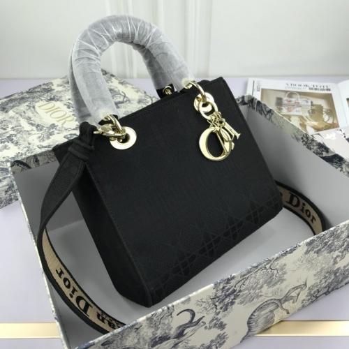 Christian Dior AAA Quality Handbags For Women #769216