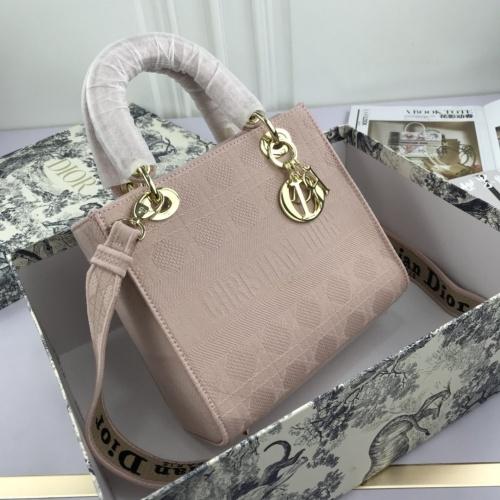 Christian Dior AAA Quality Handbags For Women #769218