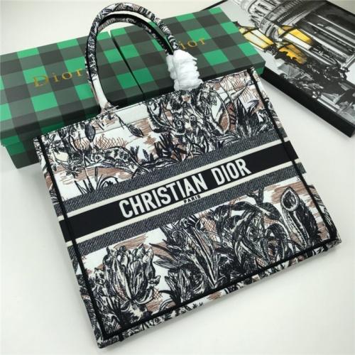 Christian Dior AAA Quality Handbags For Women #769249