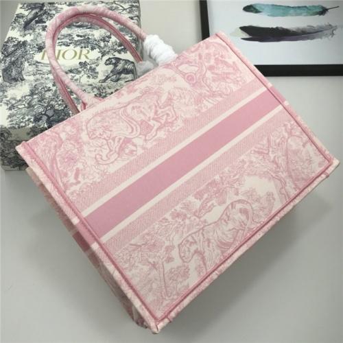 Christian Dior AAA Quality Handbags For Women #769257