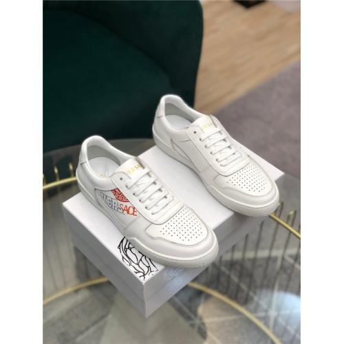 Versace Casual Shoes For Men #769284