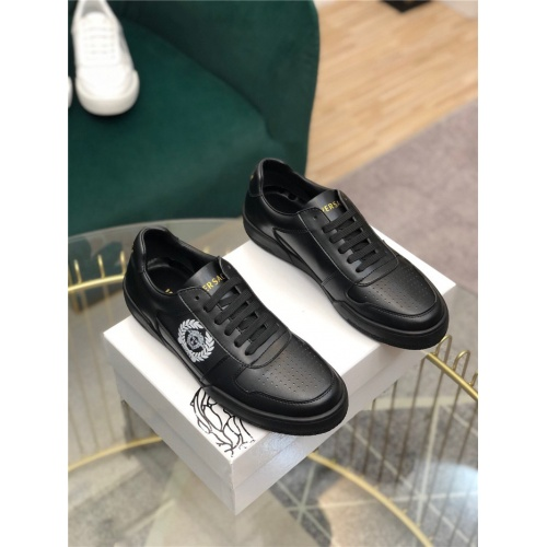 Versace Casual Shoes For Men #769287