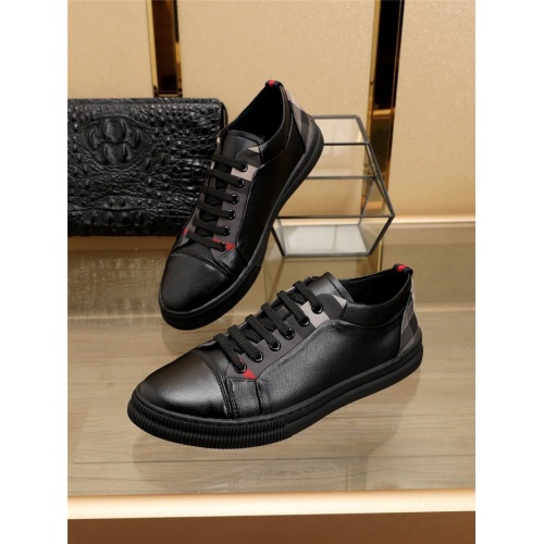 Burberry Casual Shoes For Men #769361