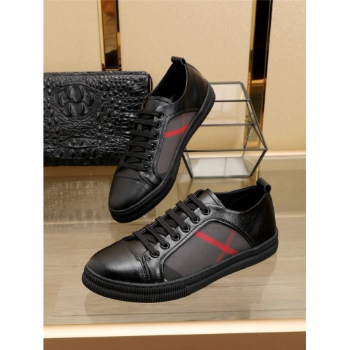 Burberry Casual Shoes For Men #769363