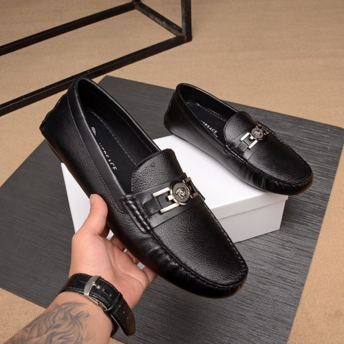Versace Casual Shoes For Men #769547
