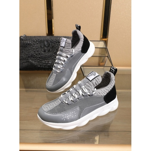 Versace Casual Shoes For Men #769607