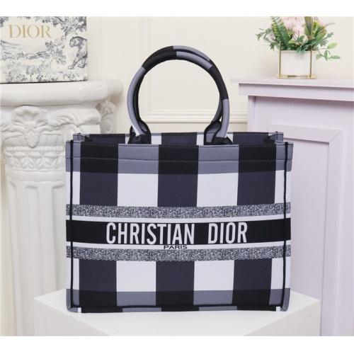 Christian Dior AAA Quality Handbags #769632