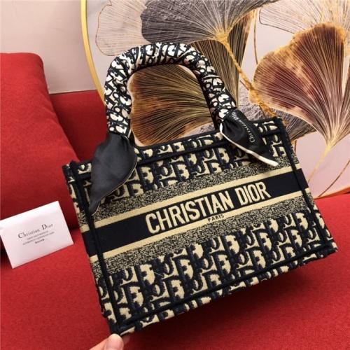 Christian Dior AAA Quality Handbags #770173