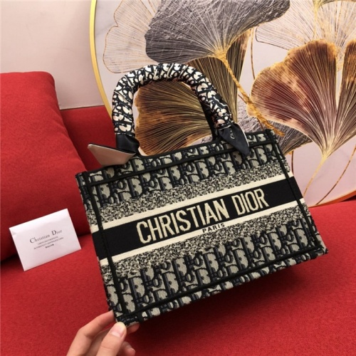 Christian Dior AAA Quality Handbags #770174