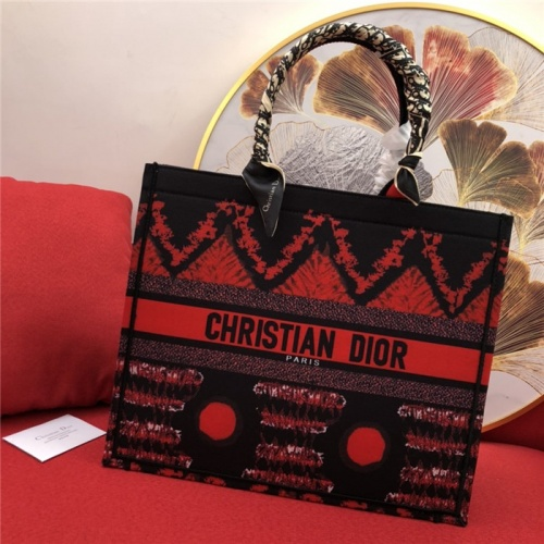 Christian Dior AAA Quality Handbags #770175
