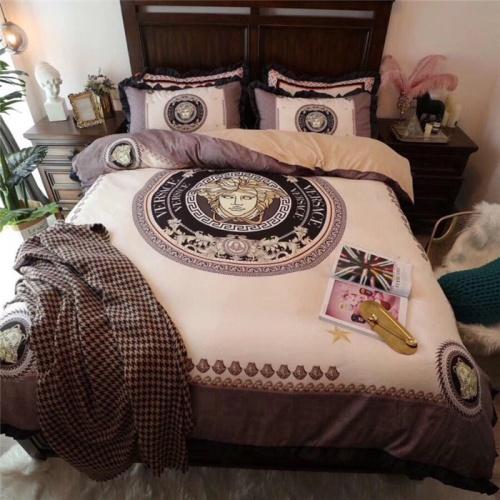 Versace Bedding #770862 $111.55 USD, Wholesale Replica Versace Bedding