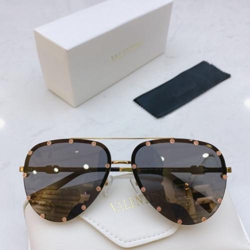 Valentino AAA Quality Sunglasses #771156