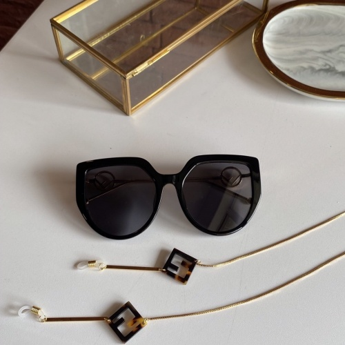 Fendi AAA Quality Sunglasses #771197