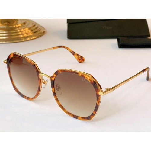 Christian Dior AAA Quality Sunglasses #771568
