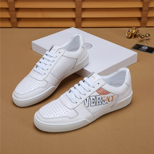 Versace Casual Shoes For Men #772115