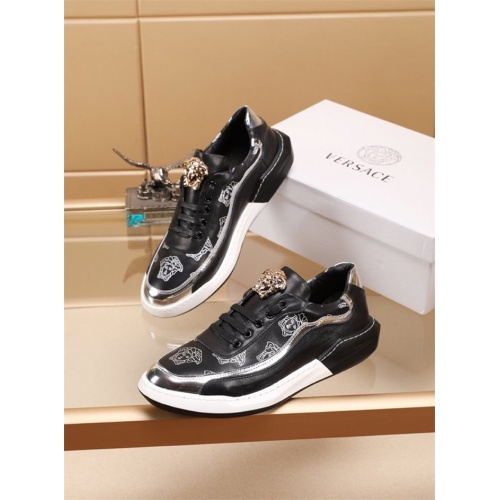 Versace Casual Shoes For Men #772161