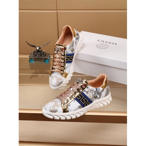Versace Casual Shoes For Men #772254