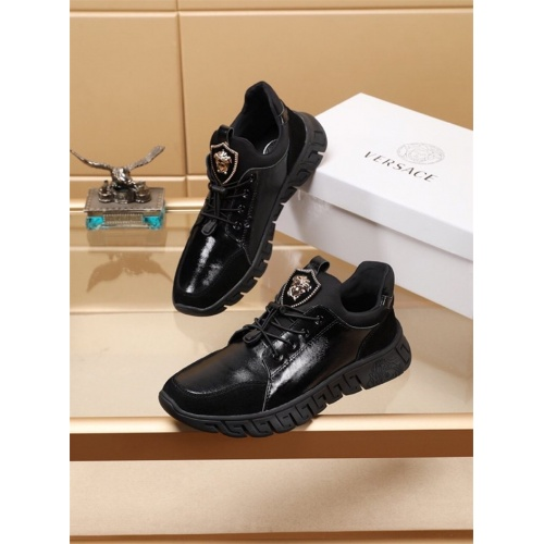 Versace Casual Shoes For Men #772262