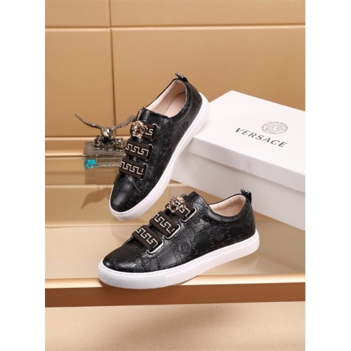Versace Casual Shoes For Men #772267