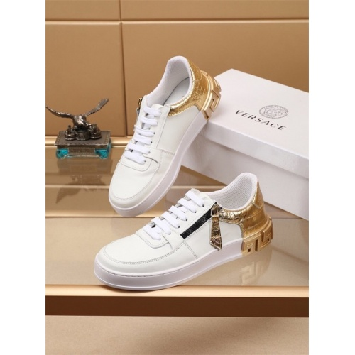 Versace Casual Shoes For Men #772278