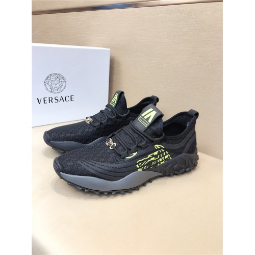 Versace Casual Shoes For Men #772776