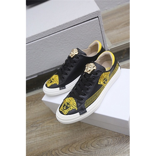 Versace Casual Shoes For Men #772942