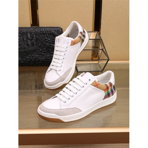 Burberry Casual Shoes For Men #773129