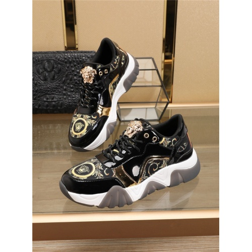 Versace Casual Shoes For Men #773882