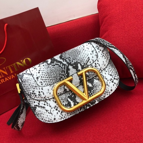 Valentino AAA Quality Messenger Bags #774162