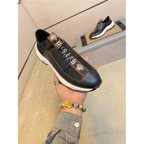 Versace Casual Shoes For Men #774209