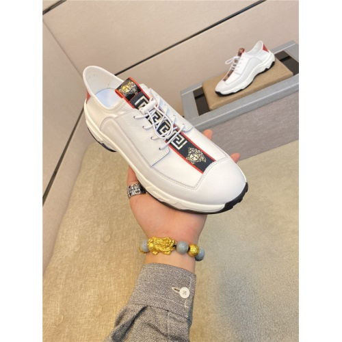 Versace Casual Shoes For Men #774211