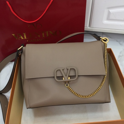 Valentino AAA Quality Messenger Bags For Women #774518