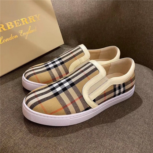 Burberry Casual Shoes For Men #774827