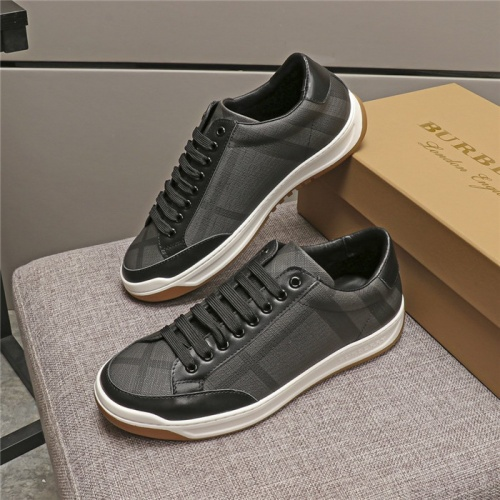 Burberry Casual Shoes For Men #774829