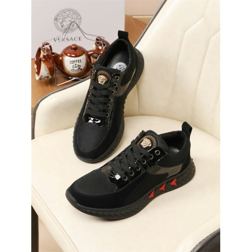 Versace Casual Shoes For Men #774854