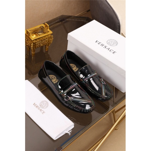 Versace Casual Shoes For Men #774880