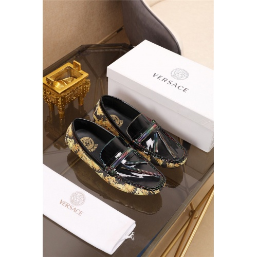 Versace Casual Shoes For Men #774882