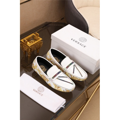 Versace Casual Shoes For Men #774883