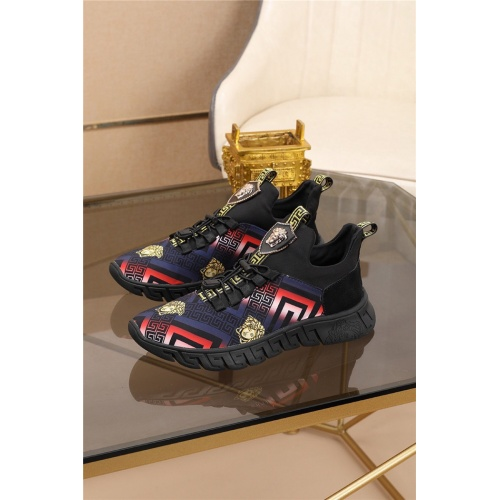Versace Casual Shoes For Men #774899