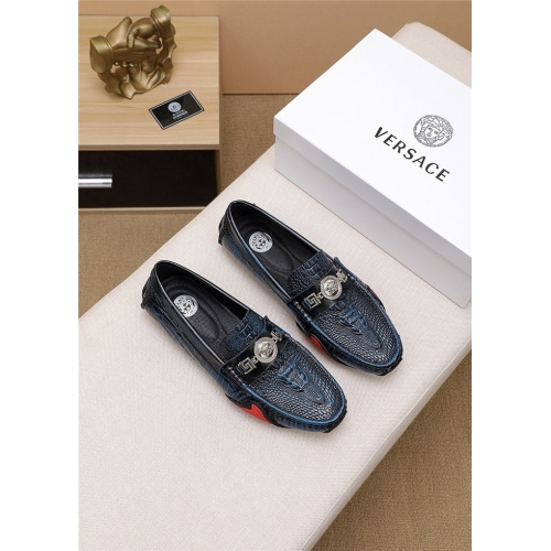 Versace Casual Shoes For Men #774958