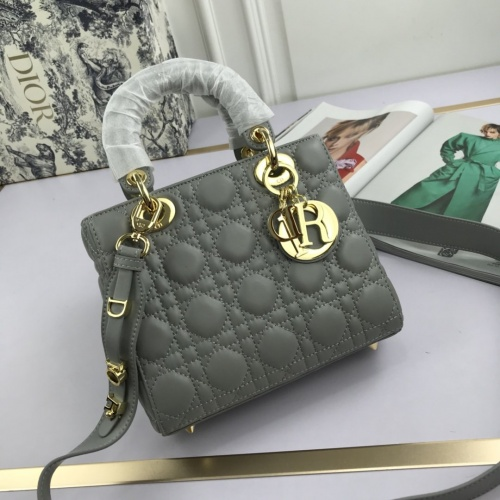 Christian Dior AAA Quality Handbags For Women #775427